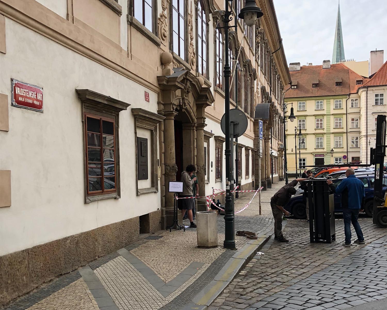 První instalace protiteroristického výsuvného sloupu FAAC v České republice